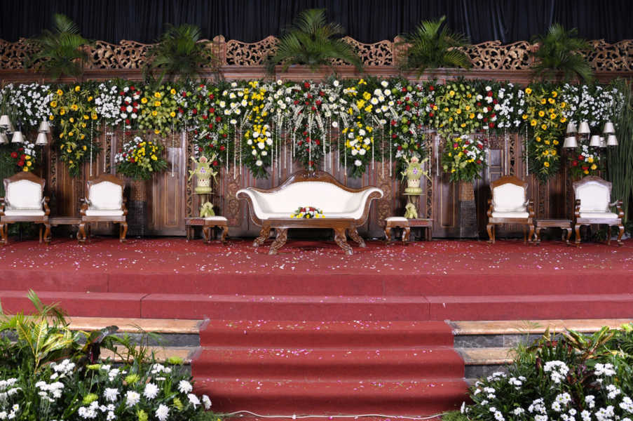 pelaminan graha saba Event Wedding solo